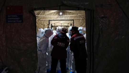 Mỹ có công dân đầu tiên tử vong vì virus corona mới - Ảnh 1.