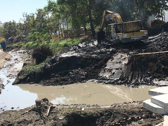 Cần sớm hoàn thiện quy định sử dụng bùn thải - Ảnh 1.