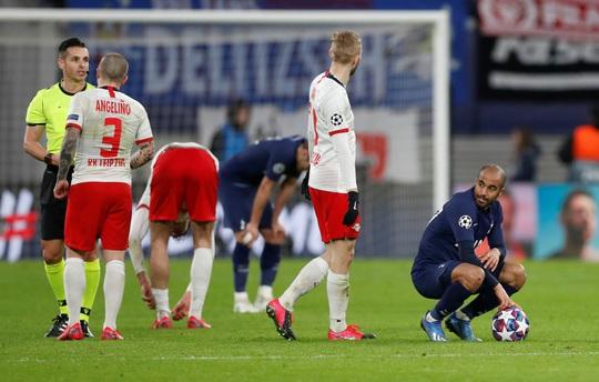 HLV Mourinho nói gì khi bị loại khỏi Champions League? - Ảnh 3.
