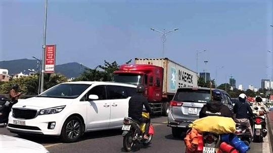 Đi theo google map, tài xế cho xe container chạy vượt đường cấm - Ảnh 1.