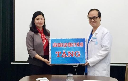 Hà Nội: Hỗ trợ 1.500 đoàn viên bị ảnh hưởng bởi dịch bệnh Covid-19 - Ảnh 1.