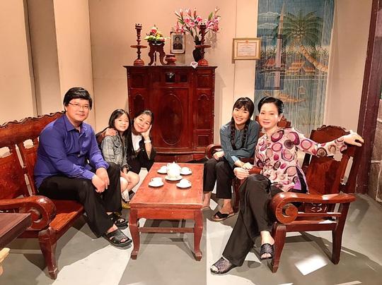 Nghệ sĩ Hoàng Trinh: Kịch truyền hình cứu nguy sàn diễn mùa dịch Covid-19 - Ảnh 4.