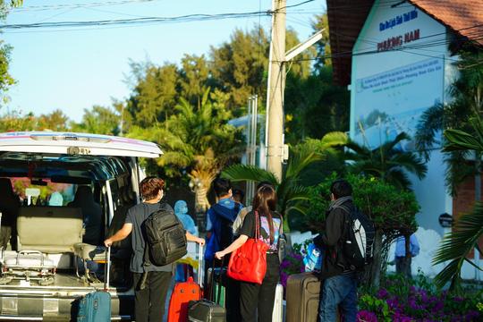 Khách quốc tế đến Việt Nam giảm hơn 60% trong tháng 3 - Ảnh 1.