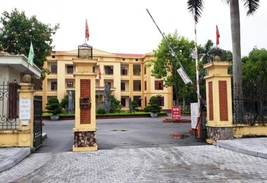 Một Phó chủ tịch huyện phải cách ly do ra Bệnh viện Bạch Mai - Ảnh 1.