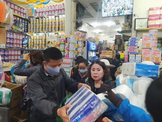 Bộ Công Thương khẳng định đủ nguồn cung hàng hoá cho Hà Nội trong dịch Covid-19 - Ảnh 1.