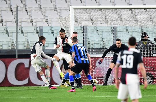 Juventus thắng đại chiến nước Ý, Inter Milan hết mơ vô địch - Ảnh 4.
