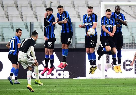Juventus thắng đại chiến nước Ý, Inter Milan hết mơ vô địch - Ảnh 7.