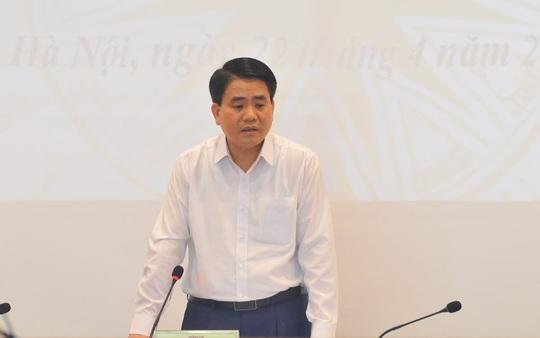 Chủ tịch Hà Nội: Hàng ăn, uống, taxi, xe công nghệ được hoạt động trở lại từ 0 giờ ngày 23-4 - Ảnh 1.