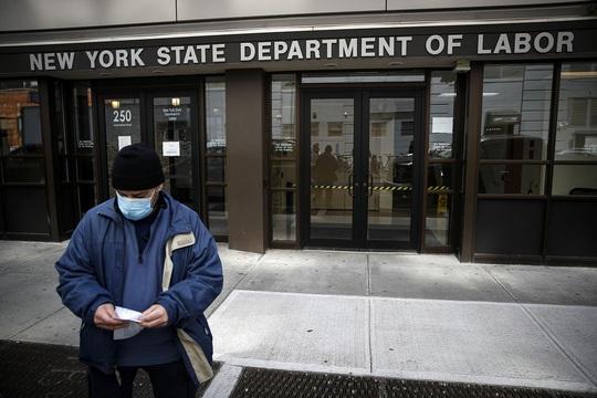 Covid-19: Hàng chục triệu người thất nghiệp, lòng tin Mỹ lung lay - Ảnh 1.