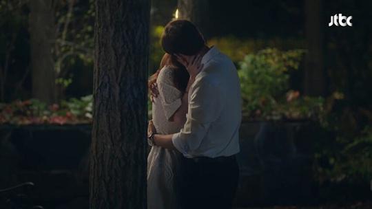 Phim ngoại tình 19+ Thế giới hôn nhân lên tầm cao mới - Ảnh 2.