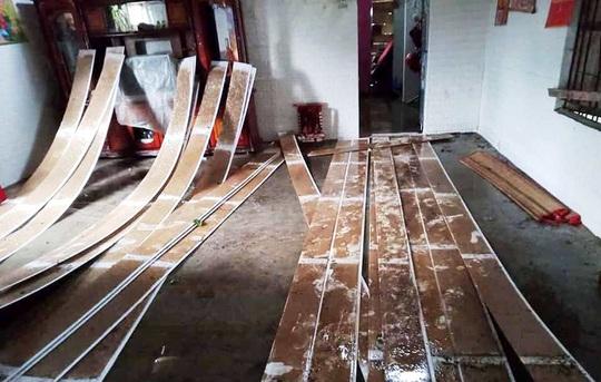 Lâm Đồng: Lốc xoáy đầu mùa mưa hàng chục căn nhà bị tốc mái - Ảnh 4.