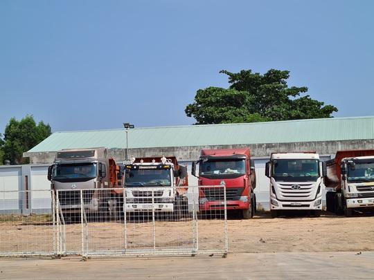 Vụ bắt xe vua ở Đồng Nai: Phạt chủ xe, tài xế gần 500 triệu đồng - Ảnh 1.