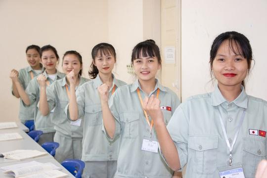 Nghị định mới nhất về dịch vụ đưa người lao động ra nước ngoài làm việc - Ảnh 1.