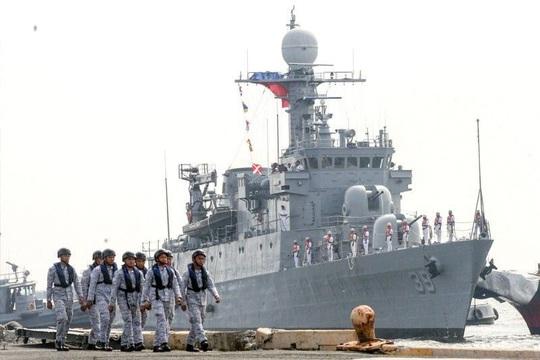 Bộ trưởng Philippines gửi thông điệp cứng rắn đến Trung Quốc - Ảnh 2.