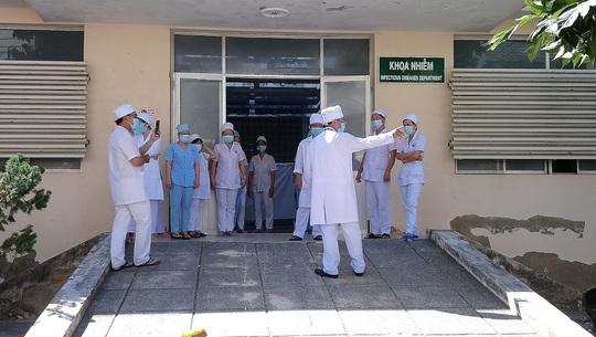 7 bệnh nhân Covid-19 ở Bình Thuận được xuất viện - Ảnh 2.