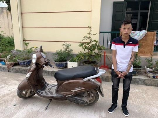 Bắt giữ siêu trộm chuyên cuỗm xe máy ở TP Đồng Hới - Ảnh 1.