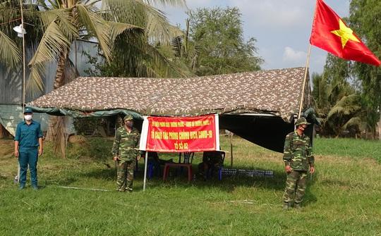 Chiến công thầm lặng của những người lính căng mình phòng, chống dịch Covid-19 - Ảnh 2.