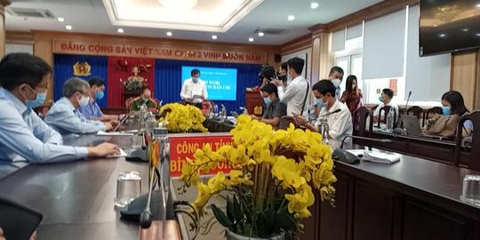 Tỉnh ủy Bình Dương tổ chức họp báo vụ 43 ha đất vàng ở TP Thủ Dầu Một - Ảnh 2.