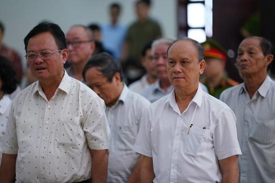 2 nguyên chủ tịch Đà Nẵng bị tuyên tổng cộng 27 năm tù, bắt giam tại tòa - Ảnh 9.