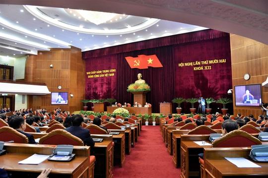 Bế mạc Hội nghị Trung ương 12, quyết định phương hướng nhân sự khóa XIII - Ảnh 8.