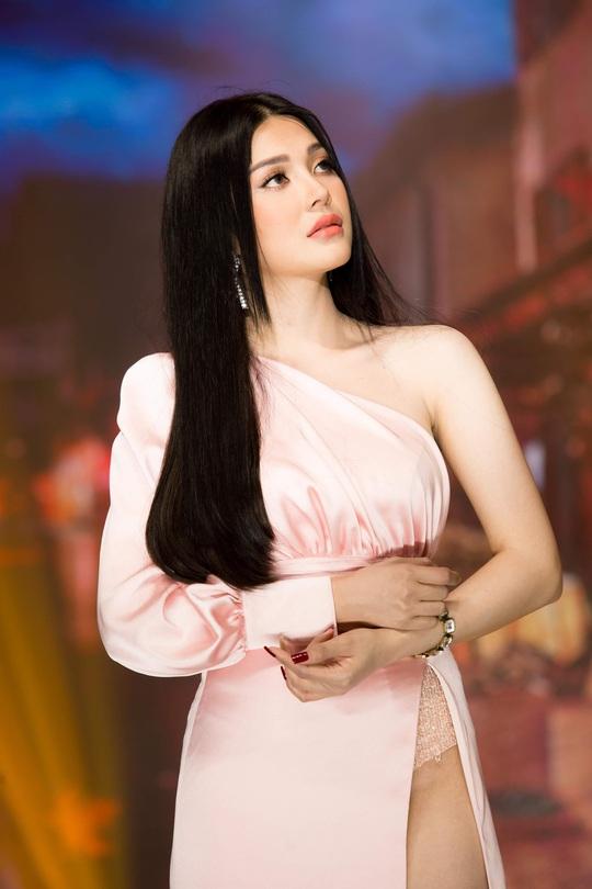 Ca sĩ, diễn viên Lily Chen: À chuyện bán thân…. - Ảnh 3.