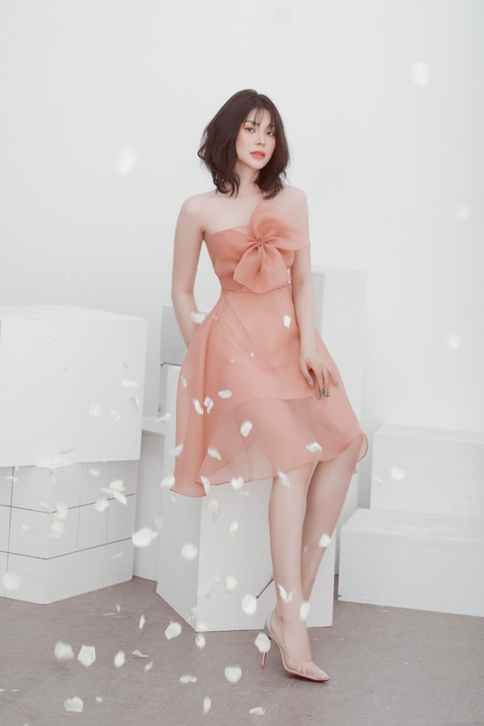 Ca sĩ, diễn viên Lily Chen: À chuyện bán thân…. - Ảnh 1.