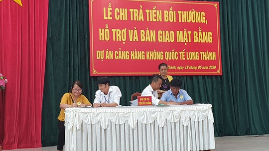 Chi trả tiền đền bù cho các hộ bị giải tỏa ở dự án Sân bay Long Thành - Ảnh 1.