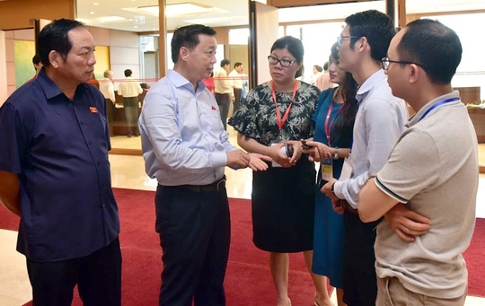 Bộ trưởng Trần Hồng Hà: Không có người nước ngoài nào sở hữu đất ở nơi nhạy cảm!  - Ảnh 1.