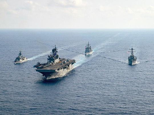 Cựu Đô đốc Mỹ: Không thể làm ngơ trước sự gây hấn của Trung Quốc ở biển Đông - Ảnh 2.