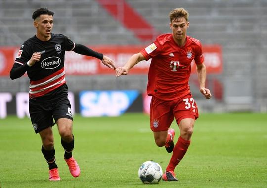 Phá nát mọi hàng thủ Bundesliga, Lewandowski lập siêu kỷ lục - Ảnh 2.
