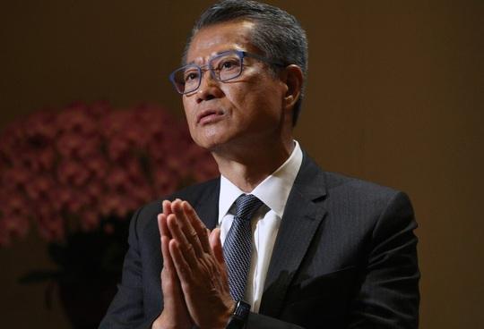 Quan chức Hồng Kông: Không có gì phải sợ lệnh trừng phạt của TT Trump - Ảnh 2.