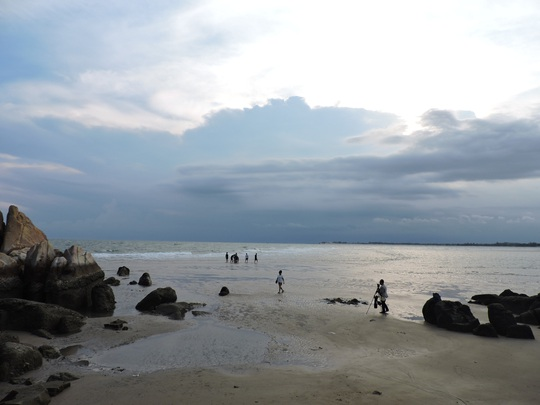Lội biển qua hải đăng Kê Gà - Ảnh 6.