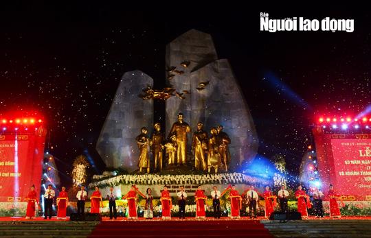 Thường trực Ban Bí Thư Trần Quốc Vượng dự Lễ khánh thành tượng đài Chủ tịch Hồ Chí Minh với nhân dân Quảng Bình - Ảnh 1.