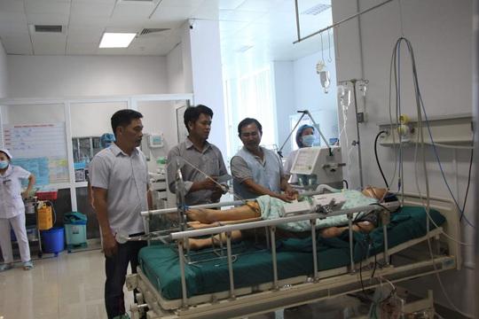 Vụ TNGT thảm khốc ở Đắk Nông: Huy động máu sống truyền cấp cứu cho bệnh nhân nguy kịch - Ảnh 3.