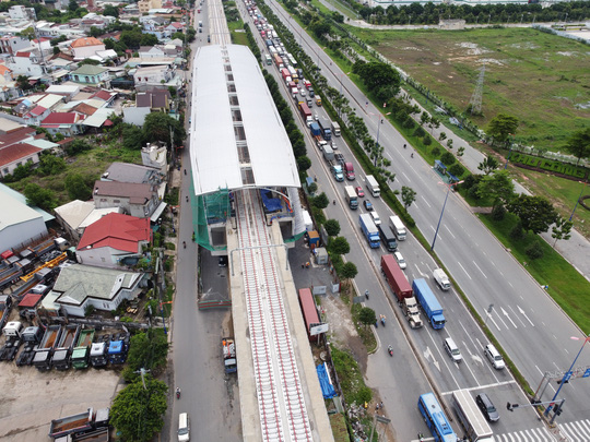 Cận cảnh ga trên cao tuyến metro Bến Thành - Suối Tiên sắp hoàn thiện - Ảnh 3.