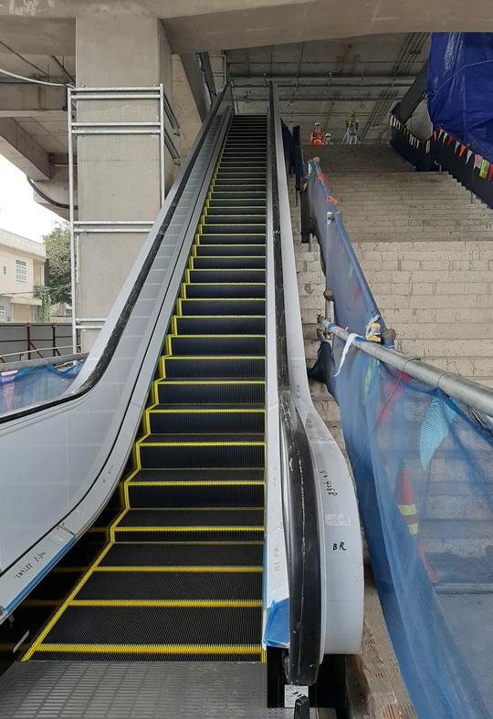 Cận cảnh ga trên cao tuyến metro Bến Thành - Suối Tiên sắp hoàn thiện - Ảnh 6.