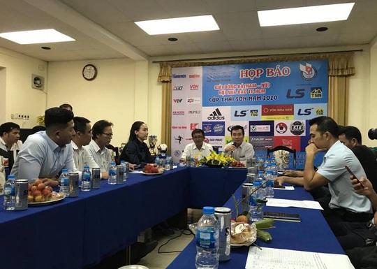 Giải futsal Hội Nhà báo TP HCM: Sân chơi vui khỏe của người cầm bút - Ảnh 1.