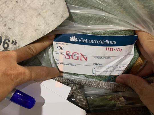 Tạm giữ 168 kiện hàng vô chủ tại kho hàng sân bay Tân Sơn Nhất - Ảnh 2.