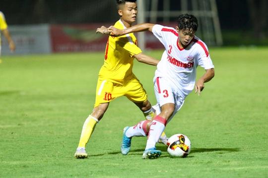 Lượt 2 VCK U19 Quốc gia 2020: Hoàng Anh Gia Lai, B.Bình Dương bại trận - Ảnh 1.