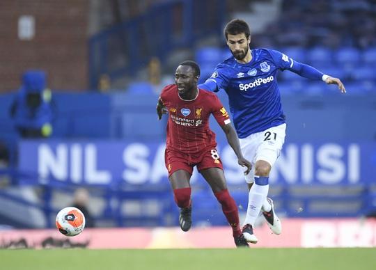 Rực lửa derby, Everton suýt gieo sầu cho Liverpool - Ảnh 1.