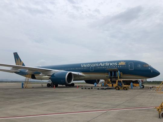 Sân bay Vân Đồn đón chuyến bay đầu tiên chở 150 chuyên gia từ Nhật Bản - Ảnh 4.
