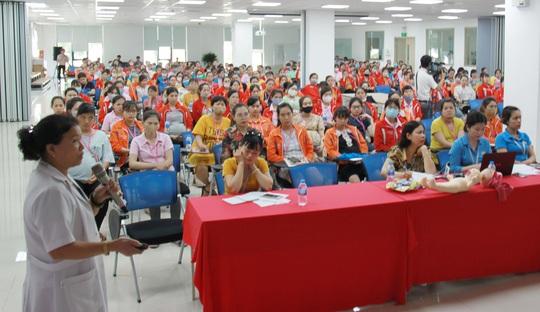 Truyền thông về sức khỏe sinh sản thu hút sự quan tâm của người lao động - Ảnh 1.