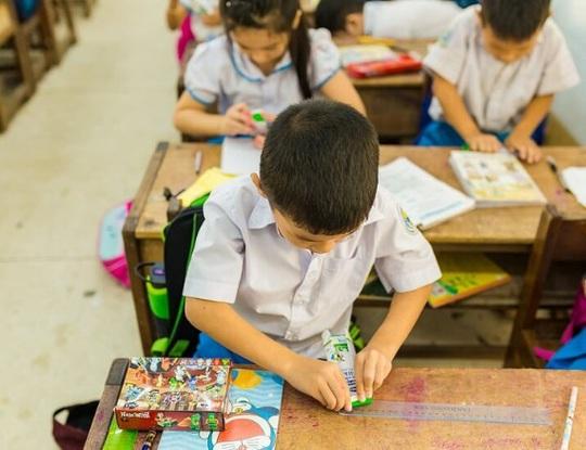 Vinamilk mang niềm vui uống sữa đến với trẻ em Hà Nội thông qua Quỹ sữa Vươn cao Việt Nam  - Ảnh 22.