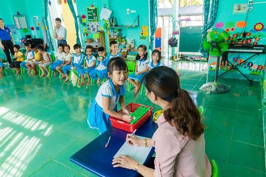 Vinamilk mang niềm vui uống sữa đến với trẻ em Hà Nội thông qua Quỹ sữa Vươn cao Việt Nam  - Ảnh 26.