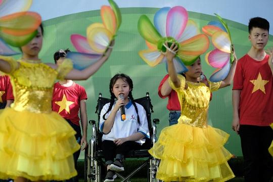 Vinamilk mang niềm vui uống sữa đến với trẻ em Hà Nội thông qua Quỹ sữa Vươn cao Việt Nam  - Ảnh 8.
