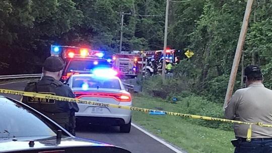Trộm xe hơi của ông bà đi chơi, hai bé trai 6 và 7 tuổi chết thảm - Ảnh 1.