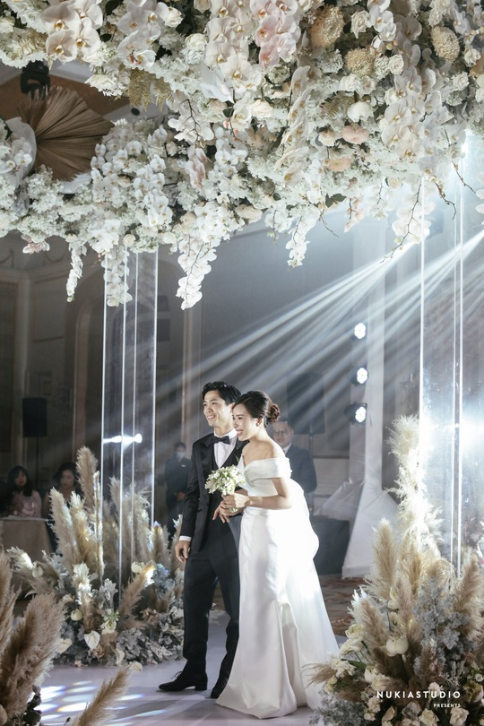 Chùm ảnh Công Phượng rạng rỡ trong ngày đính hôn với Viên Minh - Ảnh 2.