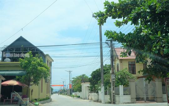 Bất ngờ với những ngôi nhà của hộ cận nghèo ở xã có 712 hộ cận nghèo - Ảnh 9.