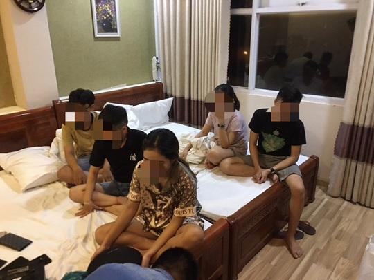 Quảng Nam: 11 nam nữ thuê nhà nghỉ chơi ma túy - Ảnh 1.