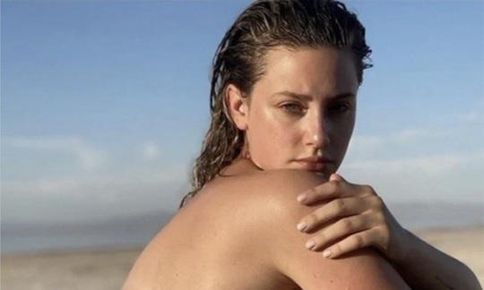 """Người đẹp """"Vũ nữ thoát y"""" xin lỗi vì đăng ngực trần đòi công lý - Ảnh 1."""